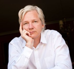 Julian-Assange-body